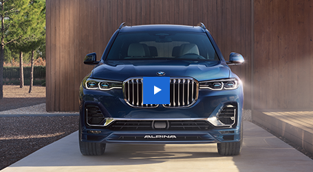 The BMW X7 and BMW ALPINA XB7.